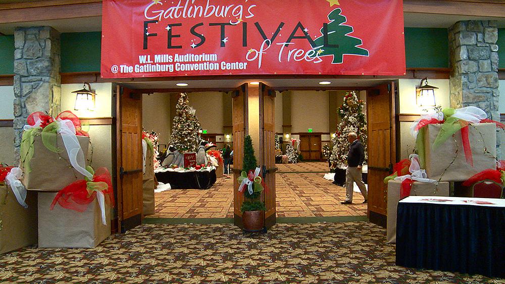 Gatlinburg 39 s festival of trees for Gatlinburg craft show 2017